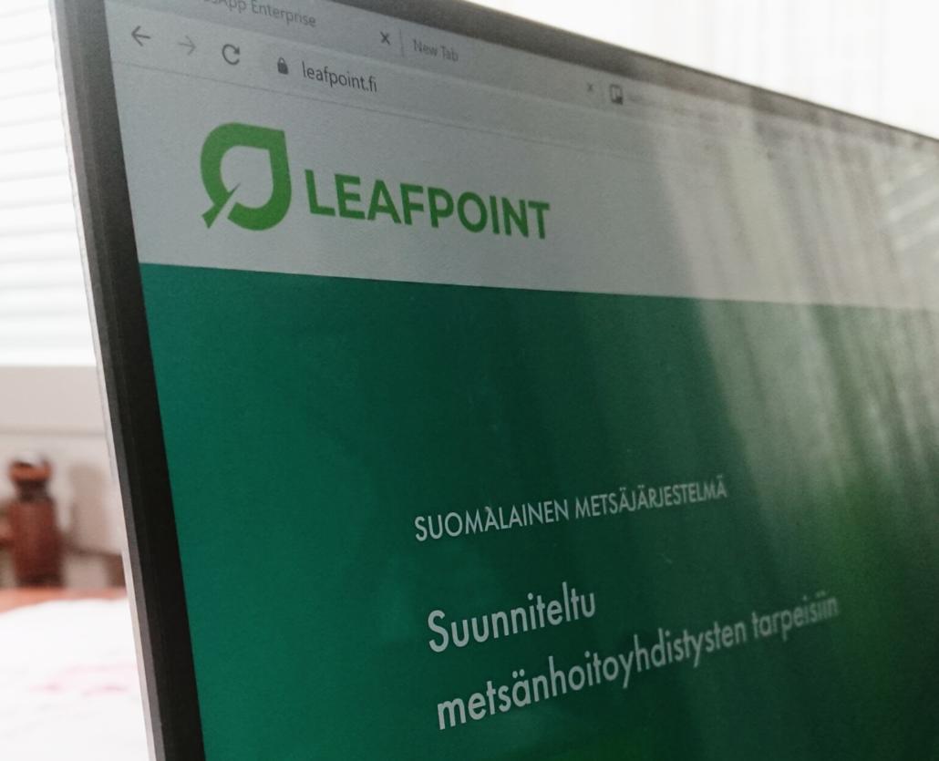 LeafPoint.fi-verkkosivu auki tietokoneen näytöllä